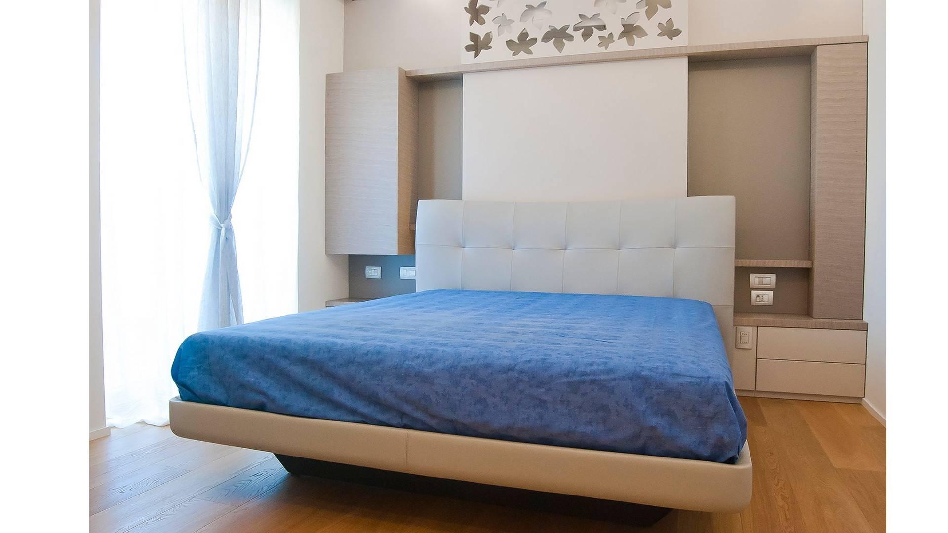 Camere da letto su misura Armadi